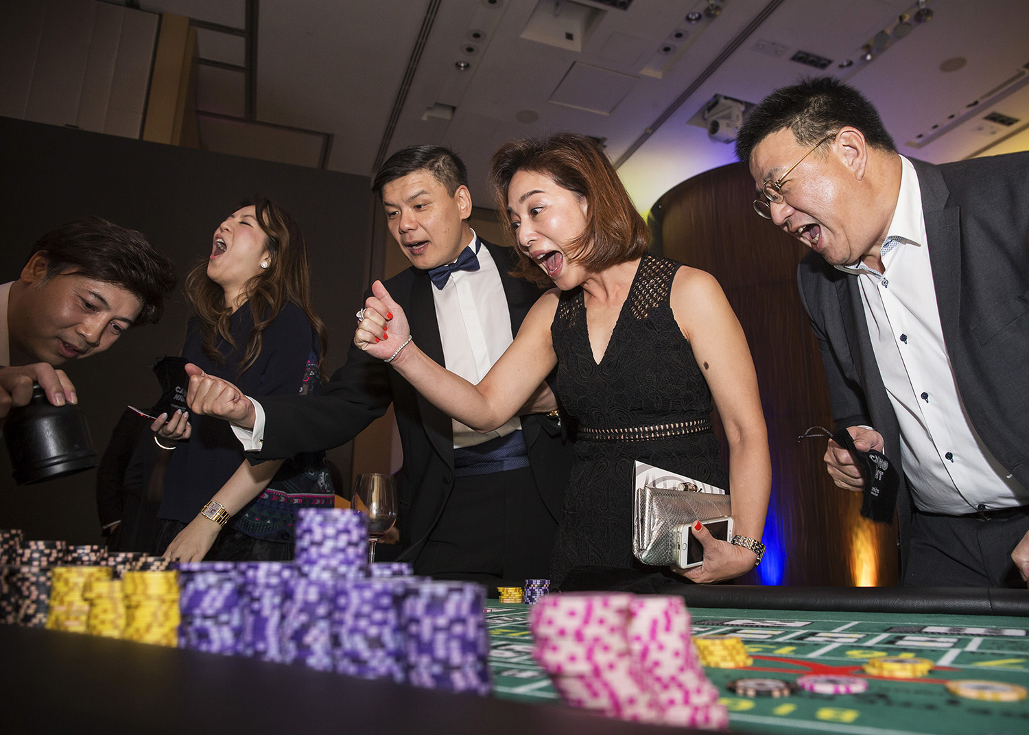 We provide casino game rental services in Hong Kong. Casino games are fun for event entertainment. We provide a wide variety of casino gaming tables, casino dealers and casino chips.