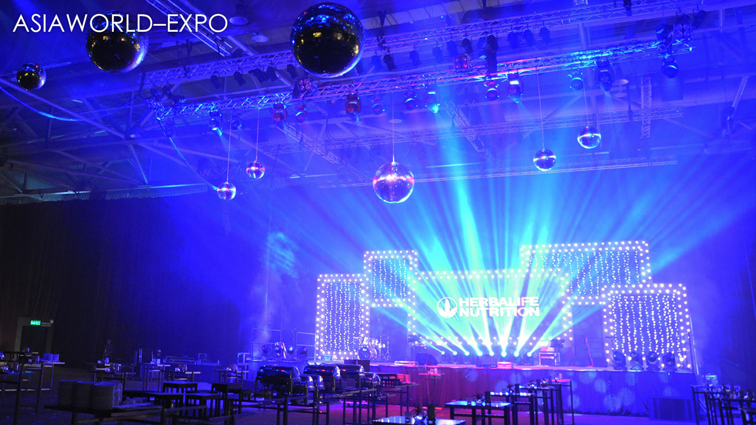 We are a lighting hire company providing event lighting rental services in Hong Kong. Our lighting equipment greatly enhances the atmosphere at any function and is used for all types of events including gala dinners, conferences, wedding banquets, private parties, product launches, and outdoor festivals.